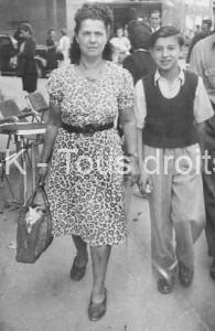 Sa mère et son frère Albert